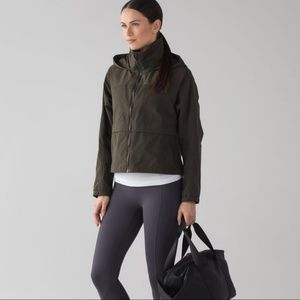Lululemon Effortless Jacket 4 Olive green hood
